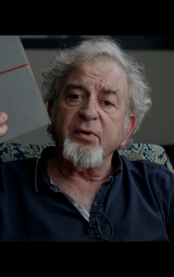 Capa do filme: Os Primeiros 54 Anos – Pequeno manual para ocupação militar