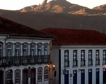 Amanhecer em Ouro Preto - Autora: Isabel Cristina de Medeiros